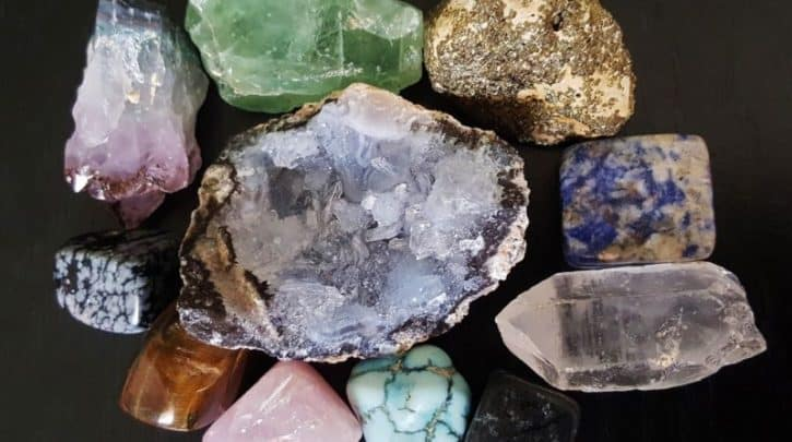 what are the 7 chakra stones